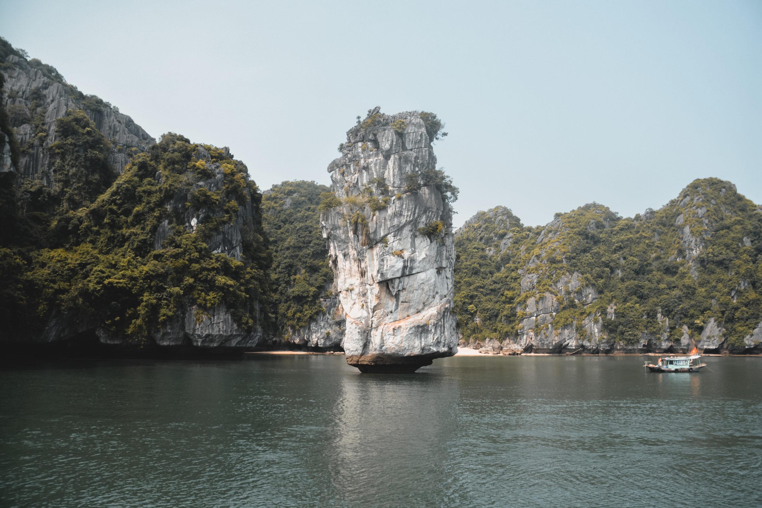 vietnam baie d'halong cat ba island